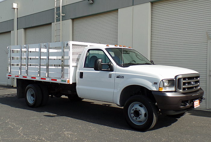 2004 Ford F-450 XL w/ 12' x 8' Stakebed and Only 50k mi.
