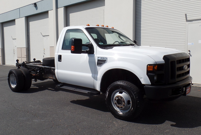 2008 Ford F-350 Super Duty XL 4 x 4 Cab & Chassis w/ 140K