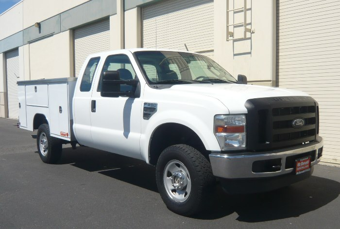 2008 Ford F-350 Super Cab XL Super Duty 4 x 4 Utility w/ 83K